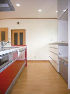 6畳キッチンと、10畳洋間を一部屋に