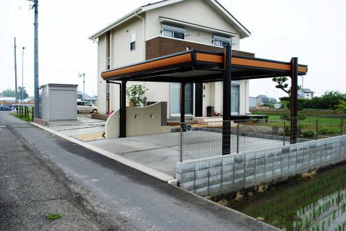 駐車場、バイク置き場を含む外構工事